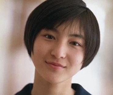 広末涼子のセーラー服姿の画像